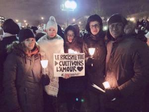 Un groupe de citoyens lors de la vigile qui a eu lieu à Montréal en solidarité avec les communautés musulmanes. Photo crédit : Marie-Christine Ladouceur-Girard